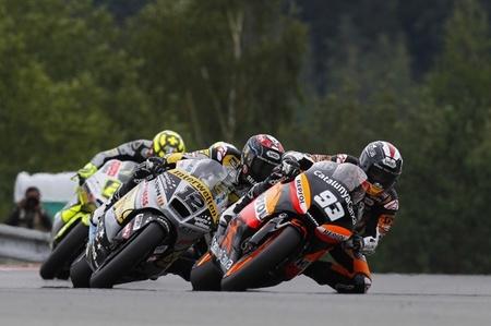 MotoGP República Checa 2012: Marc Márquez vuelve a ganar en una carrera bonita en Moto2