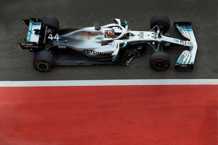 891309b176 Lewis Hamilton supera a Michael Schumacher y ya es el piloto que más dinero  ha ganado en Fórmula 1