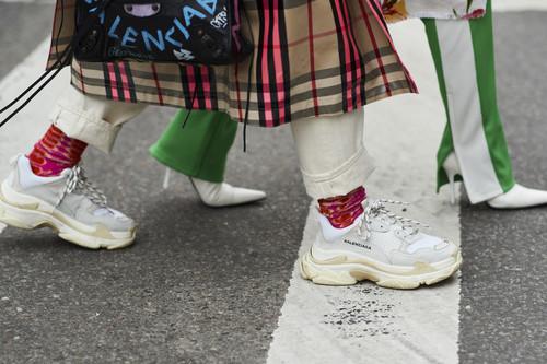 """Cuánto más """"feas"""", más caras. Así son las zapatillas deportivas de los grandes diseñadores"""