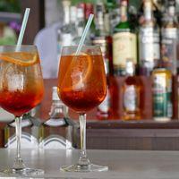 Las 13 bebidas alcohólicas más refrescantes del verano