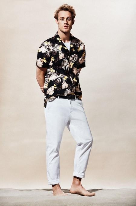 ¡Alerta, llega la invasión de todos los veranos! 7 camisas tropicales verdaderamente trendy