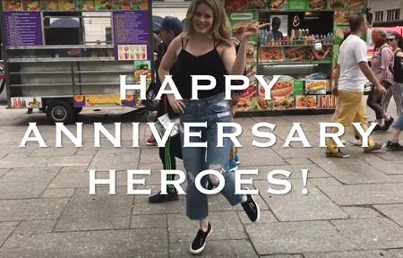 Los actores de voz de Overwatch también se unen al aniversario imitando los pasos de baile de sus personajes