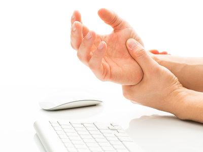 El síndrome de túnel carpiano es reconocido como enfermedad profesional en el comercio