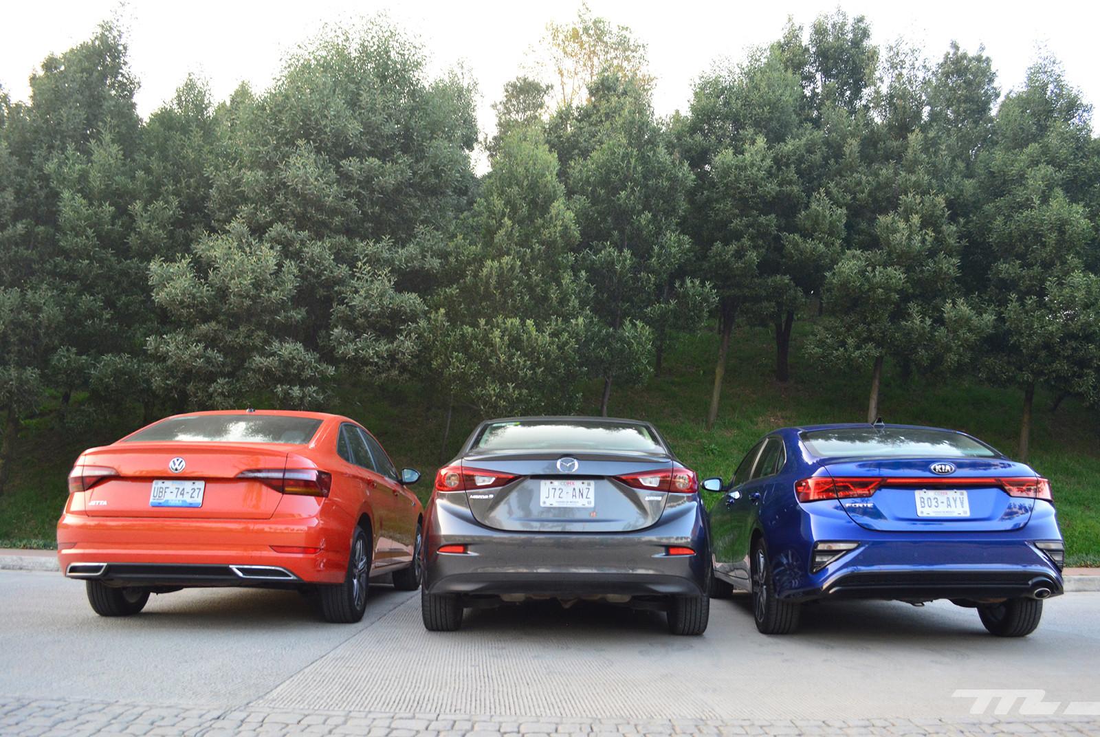 Foto de Comparativa: Mazda 3 2018 vs. KIA Forte vs. Volkswagen Jetta (3/31)