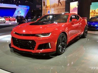 Chevrolet Camaro ZL1 contra TODO: más de 640 caballos de puro músculo americano