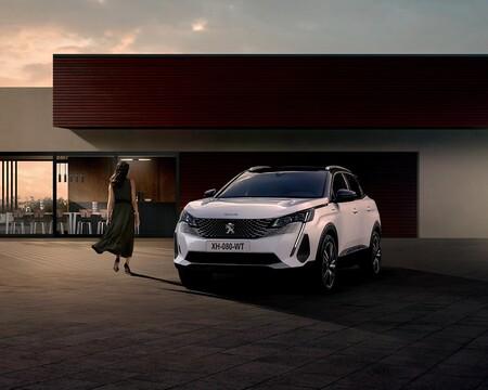 El Peugeot 3008 Hybrid 300 es un SUV híbrido enchufable con hasta 58 km de autonomía y etiqueta CERO desde 45.100 euros