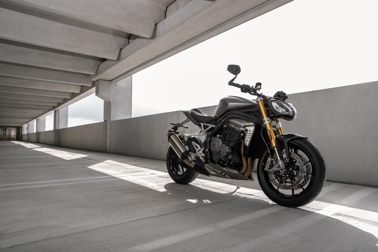 Foto de Triumph Speed Triple 1200 RS 2021 (49/71)