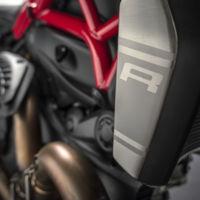 Si la Monster 1200 te parecía sosa, agárrate: llega la Ducati Monster 1200 R y puede traer sorpresas