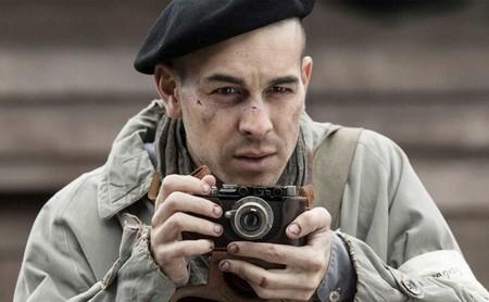 'El fotógrafo de Mauthausen': un sorprendente Mario Casas destaca en un largometraje duro y necesario