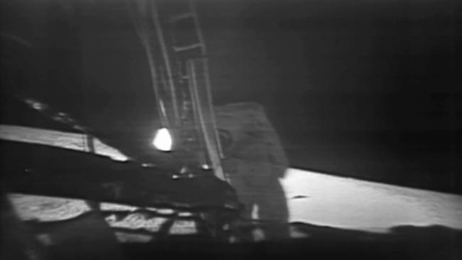Celebremos la llegada del hombre a la Luna con el código fuente del Apollo XI