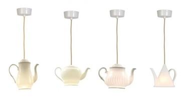 Teteras y tazas de té que iluminan