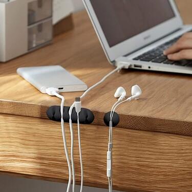Cinco soluciones de Amazon para poner orden en el desorden de los cables de tu escritorio