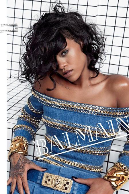 Rihanna para Balmain con más adornos que un árbol de navidad