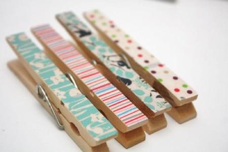 Hazlo tú mismo: decora las pinzas de la ropa con washi tape