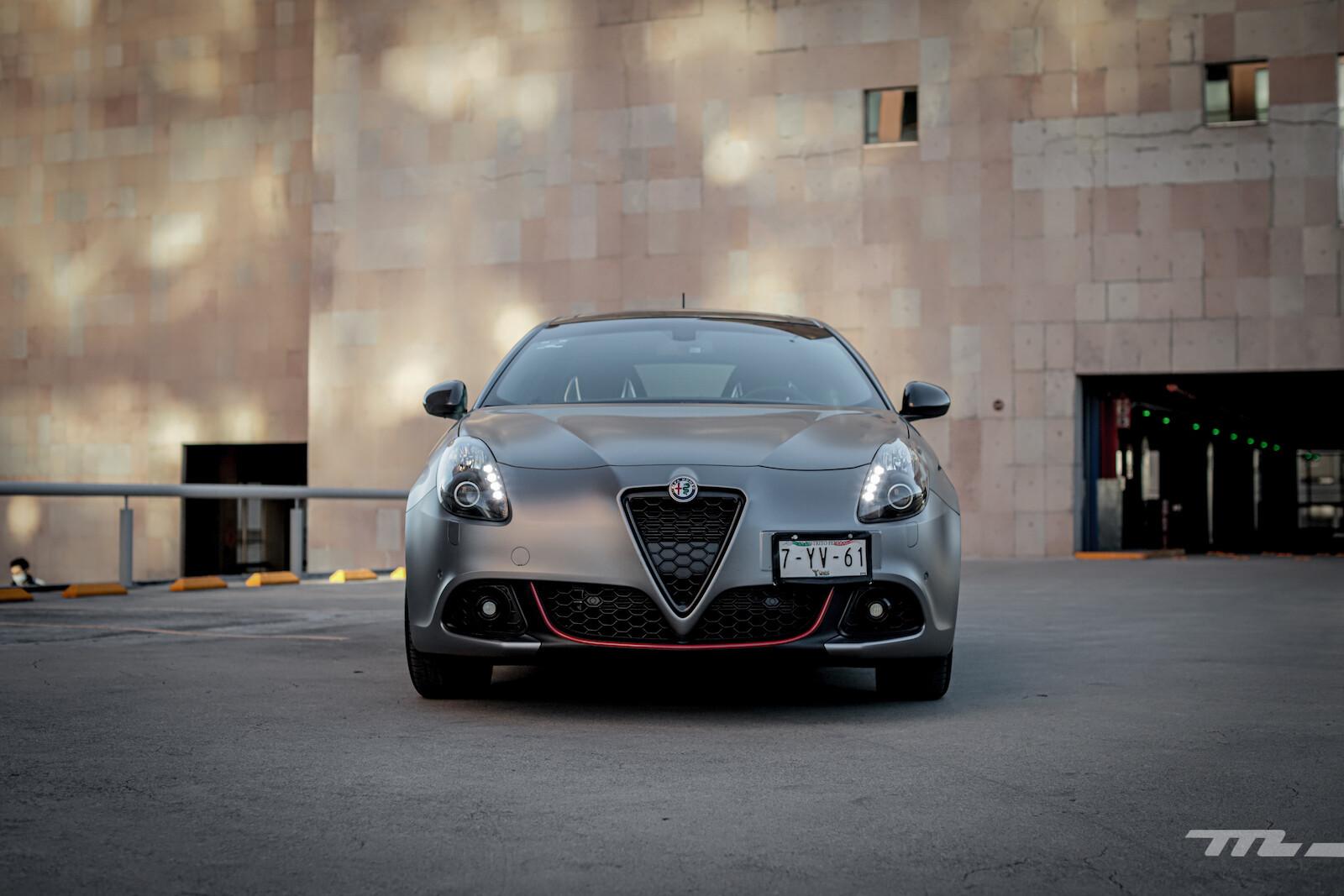 Foto de Alfa Romeo Giulietta 110 Edizione (26/29)