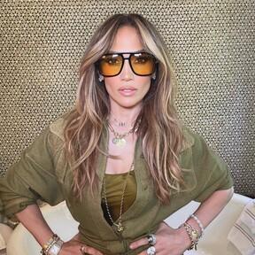 Jennifer Lopez también apuesta por las manicuras más naturales con las uñas cortas perfectas para inspirar nuestro día a día