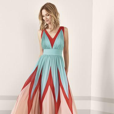 Los 79 vestidos de fiesta de Pronovias colección 2019 con los que deslumbrar como invitada
