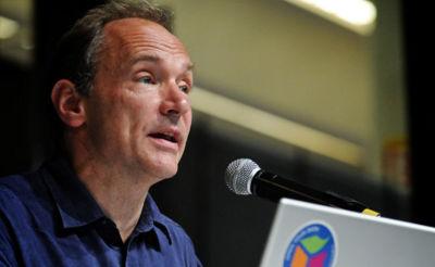 Tim Berners-Lee en contra de las aplicaciones móviles y el control de la Red