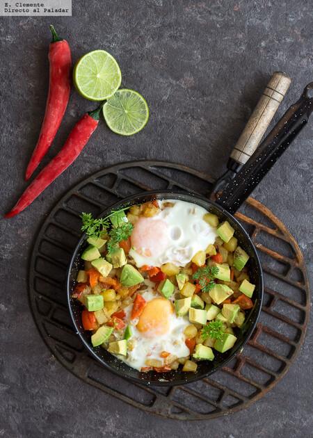 Sarten De Patatas Huevos Y Aguacate Hash