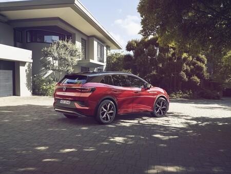 Nuevo Volkswagen ID.4 GTX: la versión deportiva del SUV eléctrico con 299 CV es 5.000 euros más barata que el Ford Mustang Mach-E