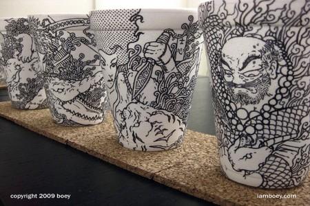 Cuando los vasos de café desechables se transforman en arte