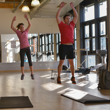Entrenamiento Tabata en vídeo y en tiempo real para entrenar en casa en cuatro minutos