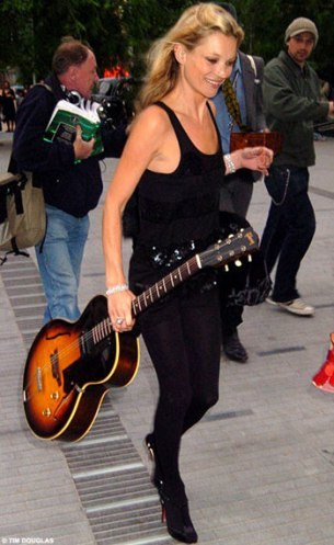 Kate Moss se quiere hacer rockera