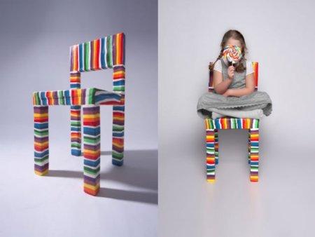 Siéntate en una silla de caramelo, o... ¿prefieres comértela?