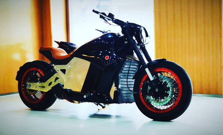 Evoke 6061: la moto eléctrica con 470 km de autonomía ya se puede reservar y cuesta 21.200 euros