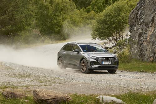 Probamos el Audi Q4 e-tron: el SUV que quiere democratizar el coche eléctrico de Audi llega con argumentos