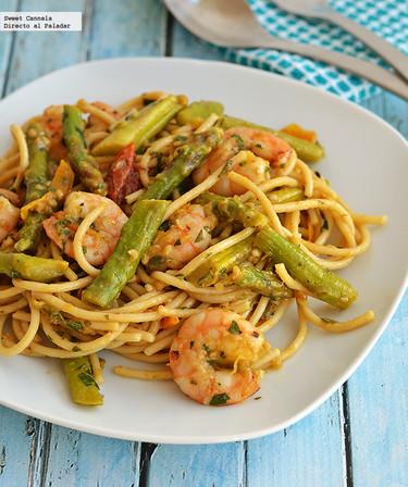 Spaghetti con camarones y espárragos. Receta