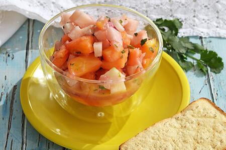 Ceviche de jícama y piña con hierbabuena. Receta vegetariana.