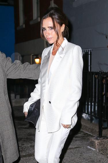 Victoria Beckham en crisis mientras ella no deja de cobrar 49.291 euros al mes