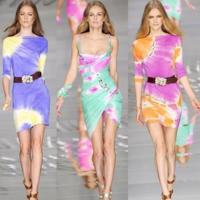 Los looks más juveniles de la Primavera-Verano 2010: Blumarine, Just Cavalli y D&G