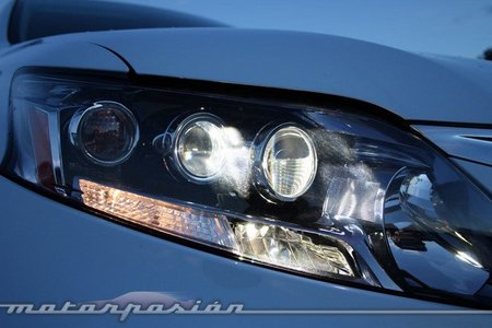 Lexus RX 450h, prueba (equipamiento y seguridad)