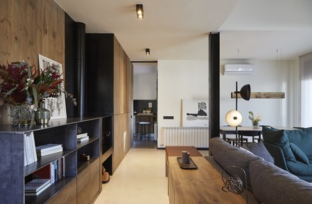 Puertas abiertas: Calidez y carácter a partes iguales en esta vivienda de Barcelona
