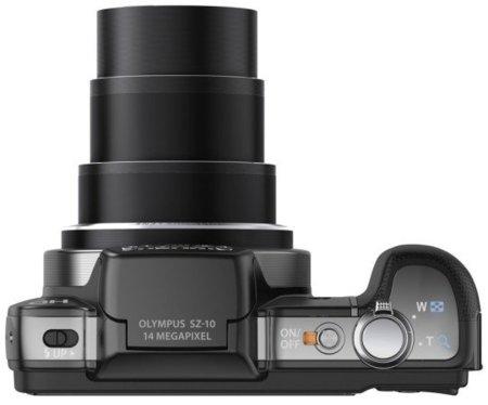 Olympus SZ-10 renueva la idea de bridge de zoom largo para bolsillos pequeños