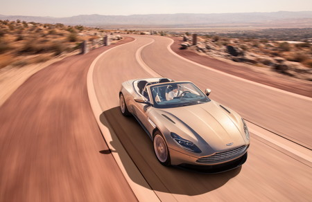 El Aston Martin DB11 Volante pierde el techo, pero gana muchísimo estilo