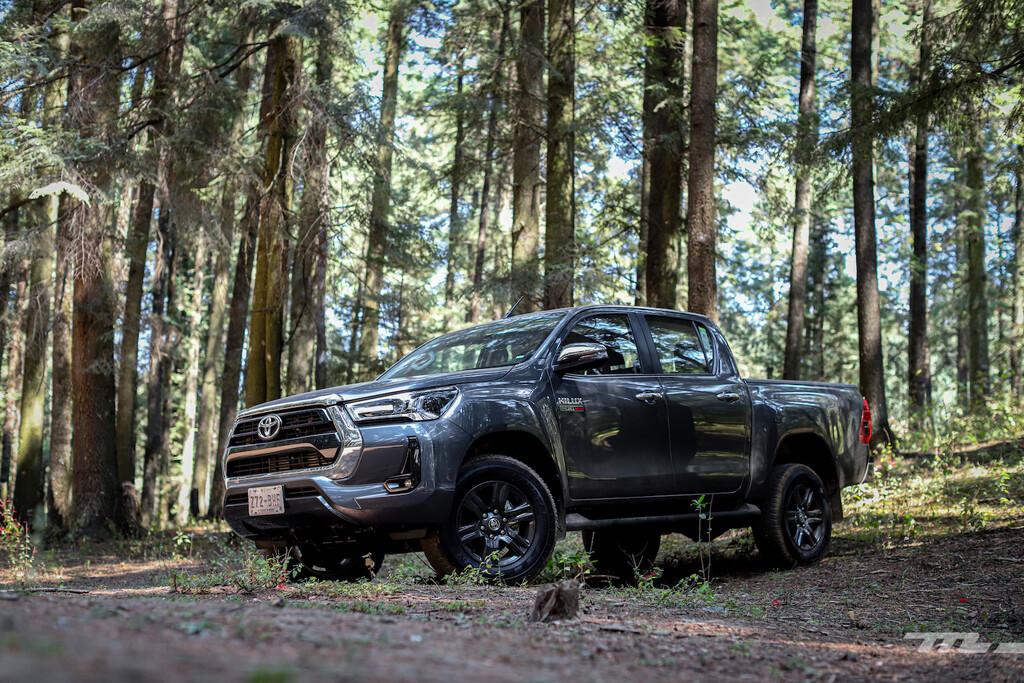 Toyota Hilux 2021, a prueba: un robusto diésel para una pick-up respaldada por sus ventas