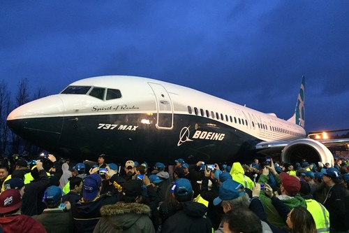 Boeing ante el caos: disminuyen un 20% la producción del 737 MAX mientras que aerolíneas cancelan órdenes y exigen compensaciones