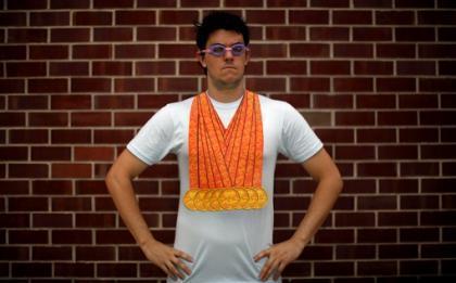 Siéntete como Phelps aunque sólo sea en una camiseta