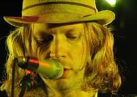 """Beck se suma a los artistas críticos con Spotify: """"alguien va a tener que ceder"""""""