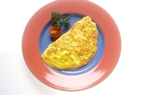 Cinco consejos para preparar una tortilla a la francesa perfecta y cinco sartenes para conseguirlo