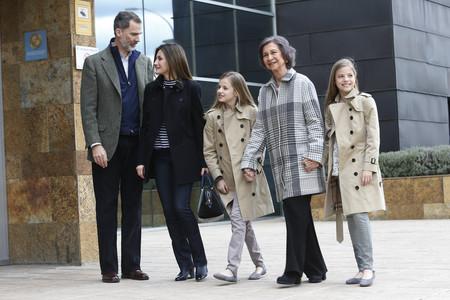 La Reina Sofia Reaparece De La Mano De Sus Nietas La Princesa De Asturias Y La Infanta Leonor 1