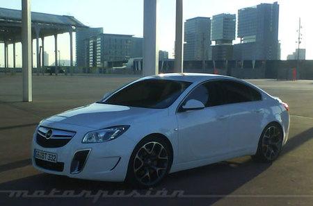 Opel Insignia OPC, nuevas fotos espía desde España