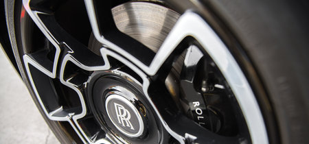 Rolls-Royce trabajó 4 años en el desarrollo de estas llantas con fibra de carbono