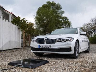 Video: Los cargadores inalámbricos para autos ya son una realidad, y BMW nos muestra cómo funciona el suyo
