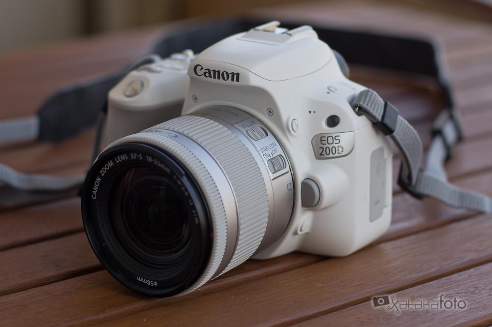 """Canon EOS 200D, análisis: Una cámara """"diferente"""" para quien quiera iniciarse en el mundo réflex con estilo"""