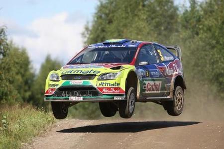 Mikko Hirvonen gana en Finlandia y aventaja a sus rivales