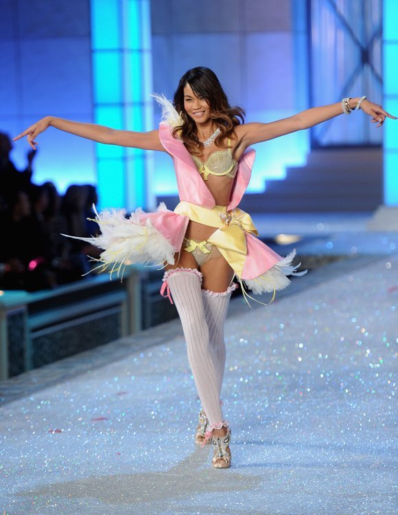 Chanel Iman Victorias Secret Fashion Show